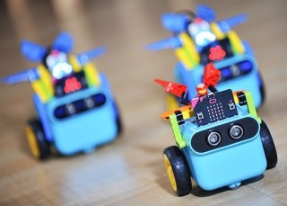 this-smart-toy-car-is-the-best-way-to-teach-your-kid-how-to-code-146467_1